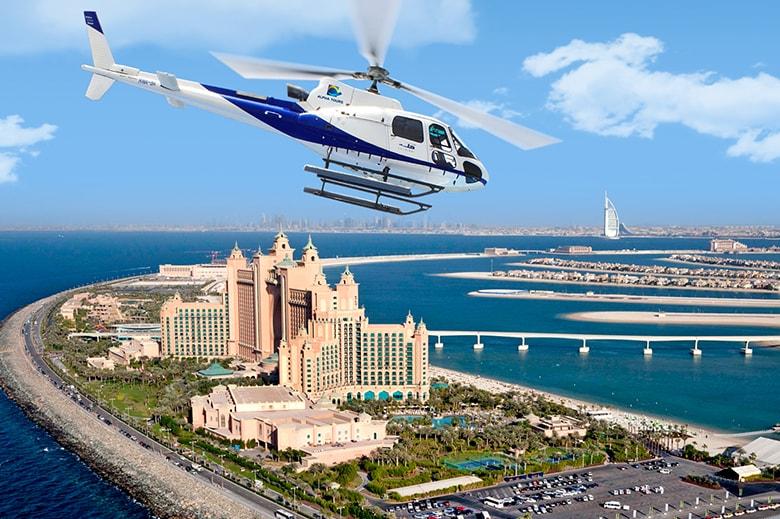 Hélicoptère à Dubaï